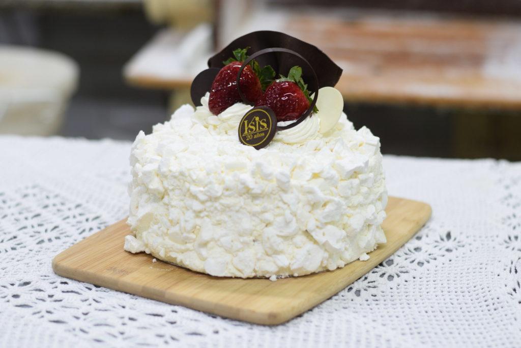 Torta Merenguitos y Frutilla